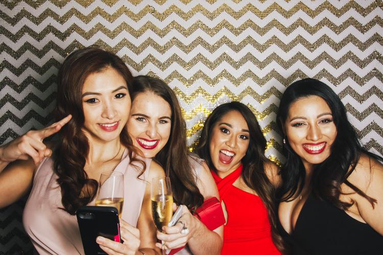 best-brisbane-friends-fun-gambaro-gold-group-shot-hire-hotel-laughing-photo-booth-wedding.jpg