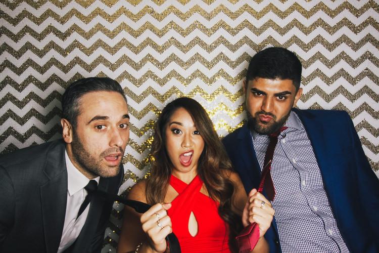 best-brisbane-friends-fun-gambaro-gold-hire-hotel-laughing-photo-booth-wedding-3.jpg