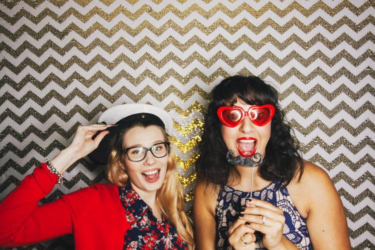 best-brisbane-friends-fun-gambaro-gold-hire-hotel-laughing-photo-booth-wedding-4.jpg