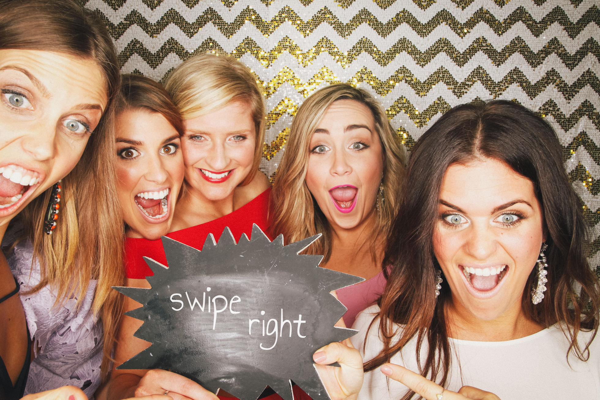 WHATS INCLUDED IN HIRE? - ✭ Unlimited photo booth sessions (each session prints 2 strips).✭ Branded photo strips (your logo on the prints).✭ Awesome Props.✭ Background of your choice.✭ Your very own online photo gallery.✭ A helpful staff member.✭ Travel within 30 minutes of Brisbane.
