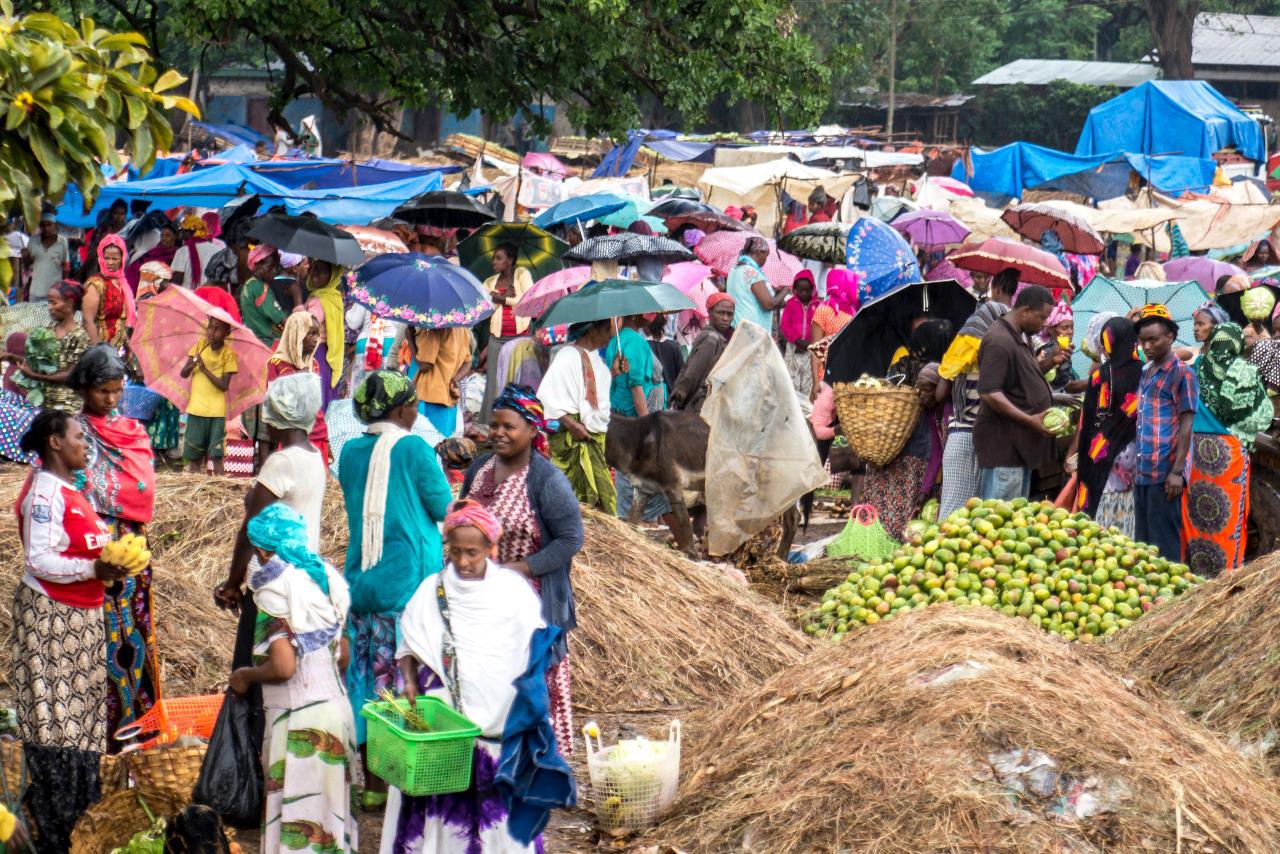Sunday market on the road to Arba Minch