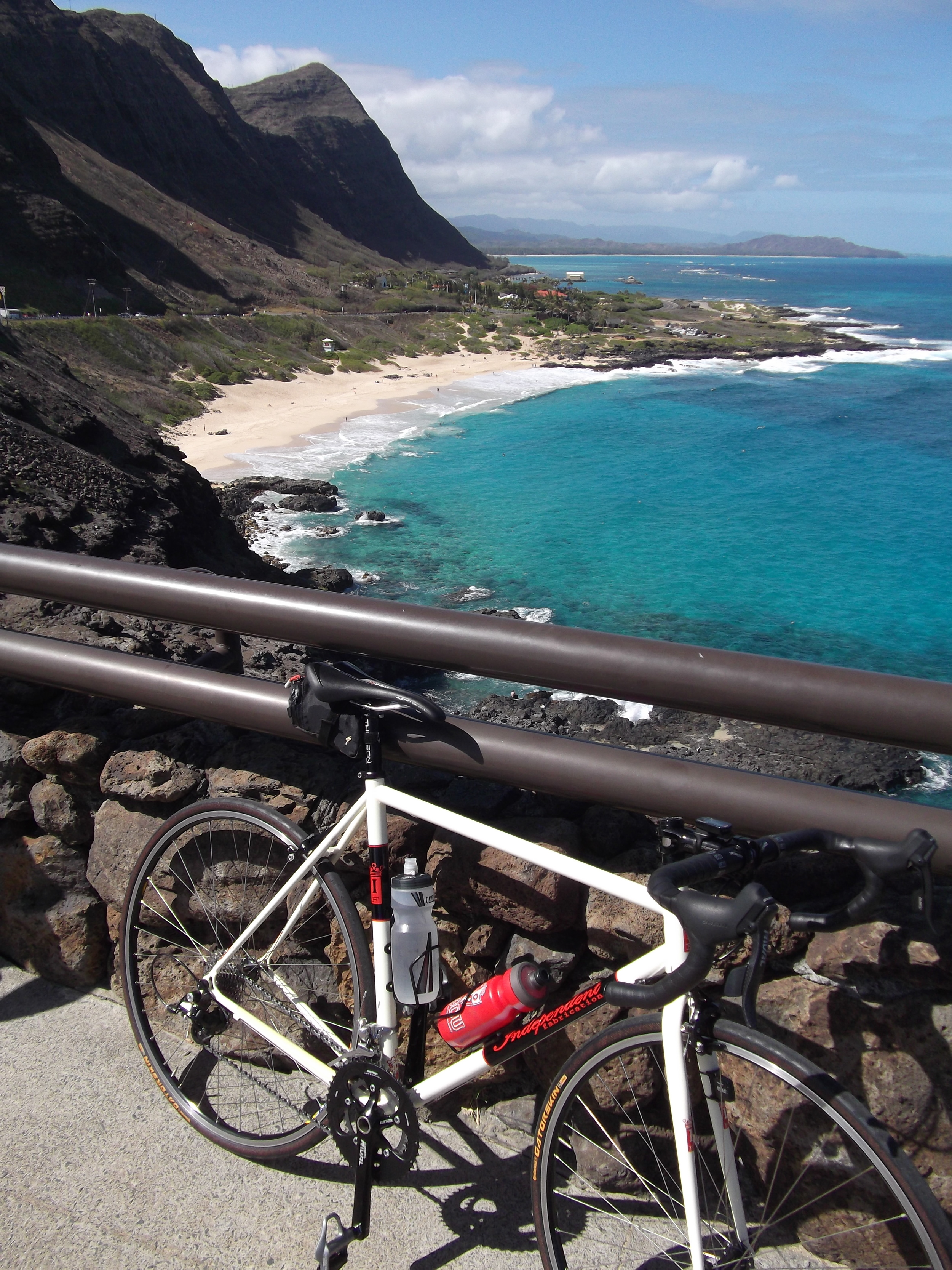 Another pic of a bike leaning against something...... but the scenery isn't too shabby in Hawaii. (Oahu)