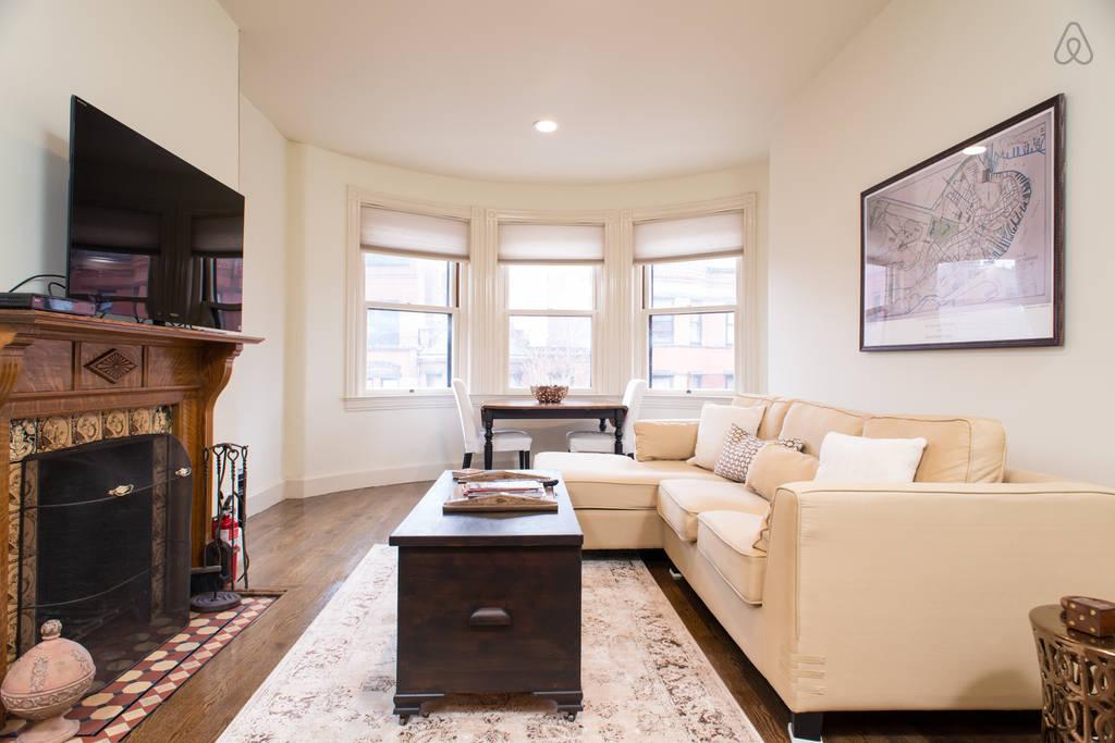 Marlborough 6 - livingroom