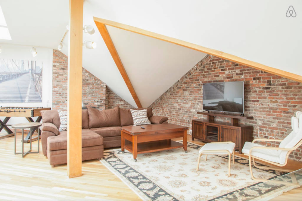 CH2_Upper_Living_Room_1_airbnb.png