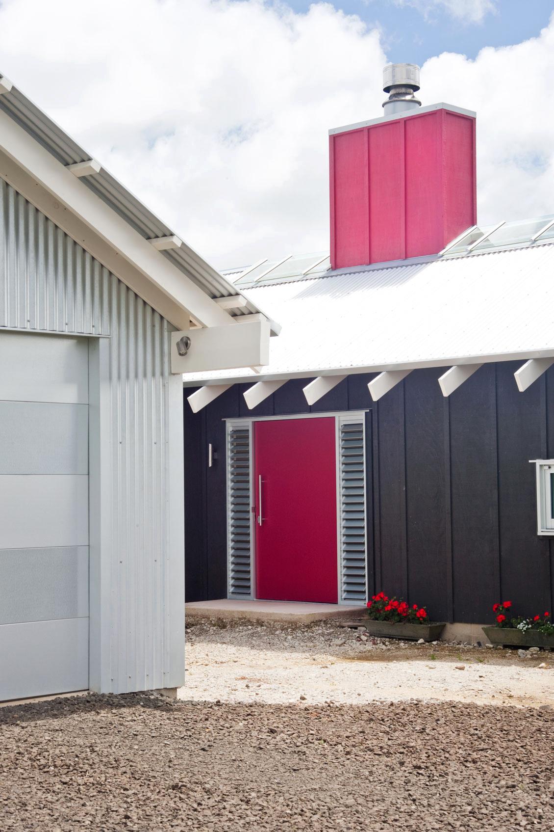 K  Leuschke Kahn Architects_Kumeu house, LKA__CM17435.jpg