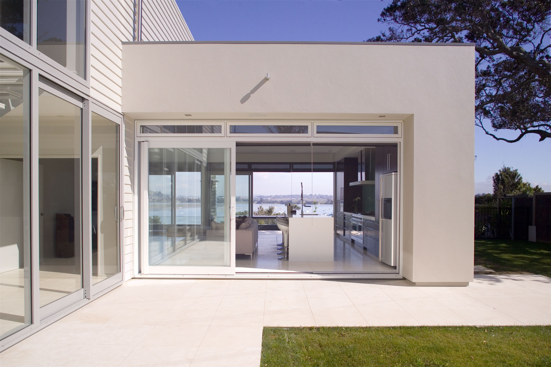 C Leuschke Kahn Architects_CompassPt LKA_F2J94386.jpg