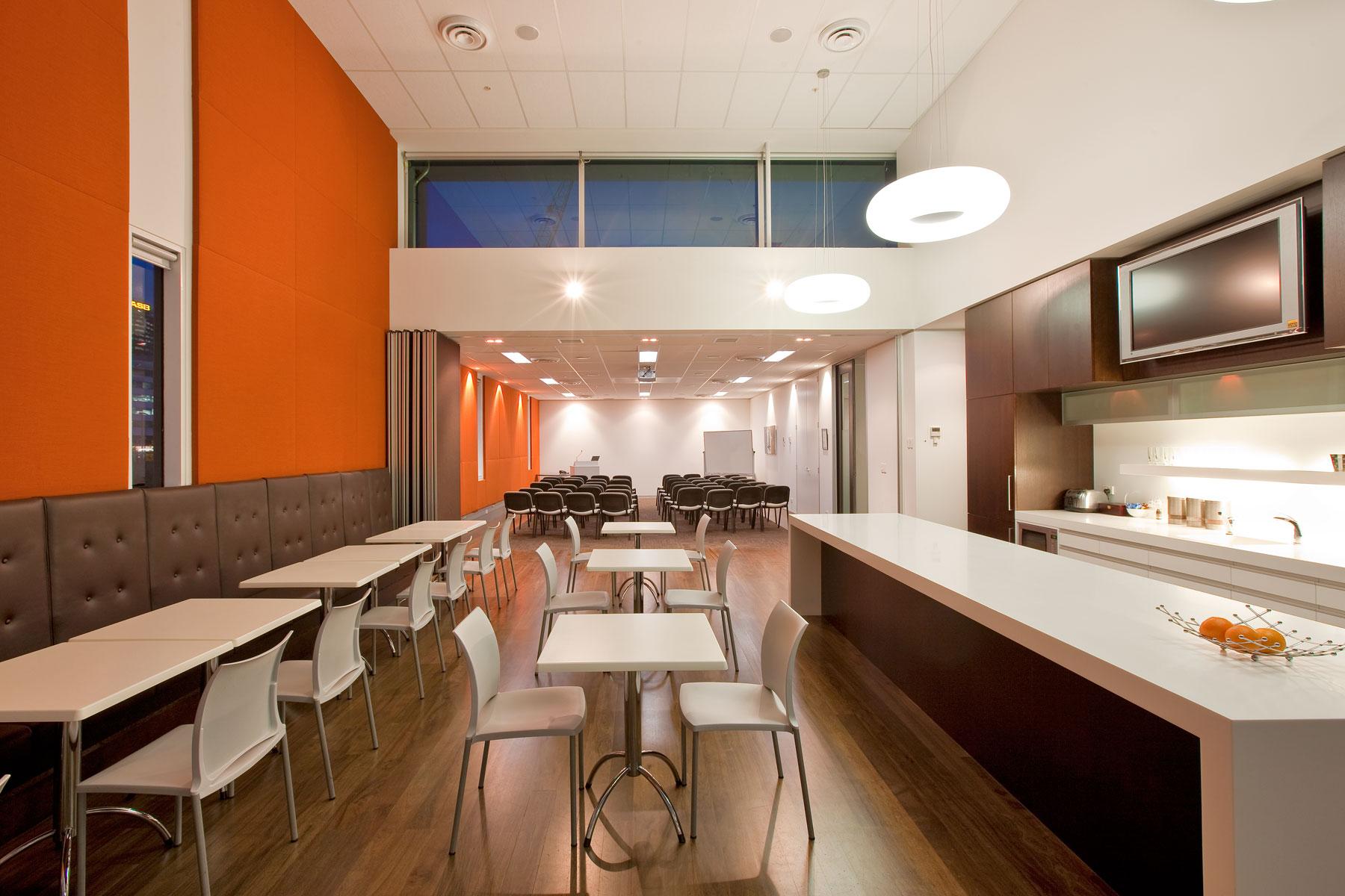 G  Leuschke Kahn Architects_GrantThornton LKA__13Y8000.jpg