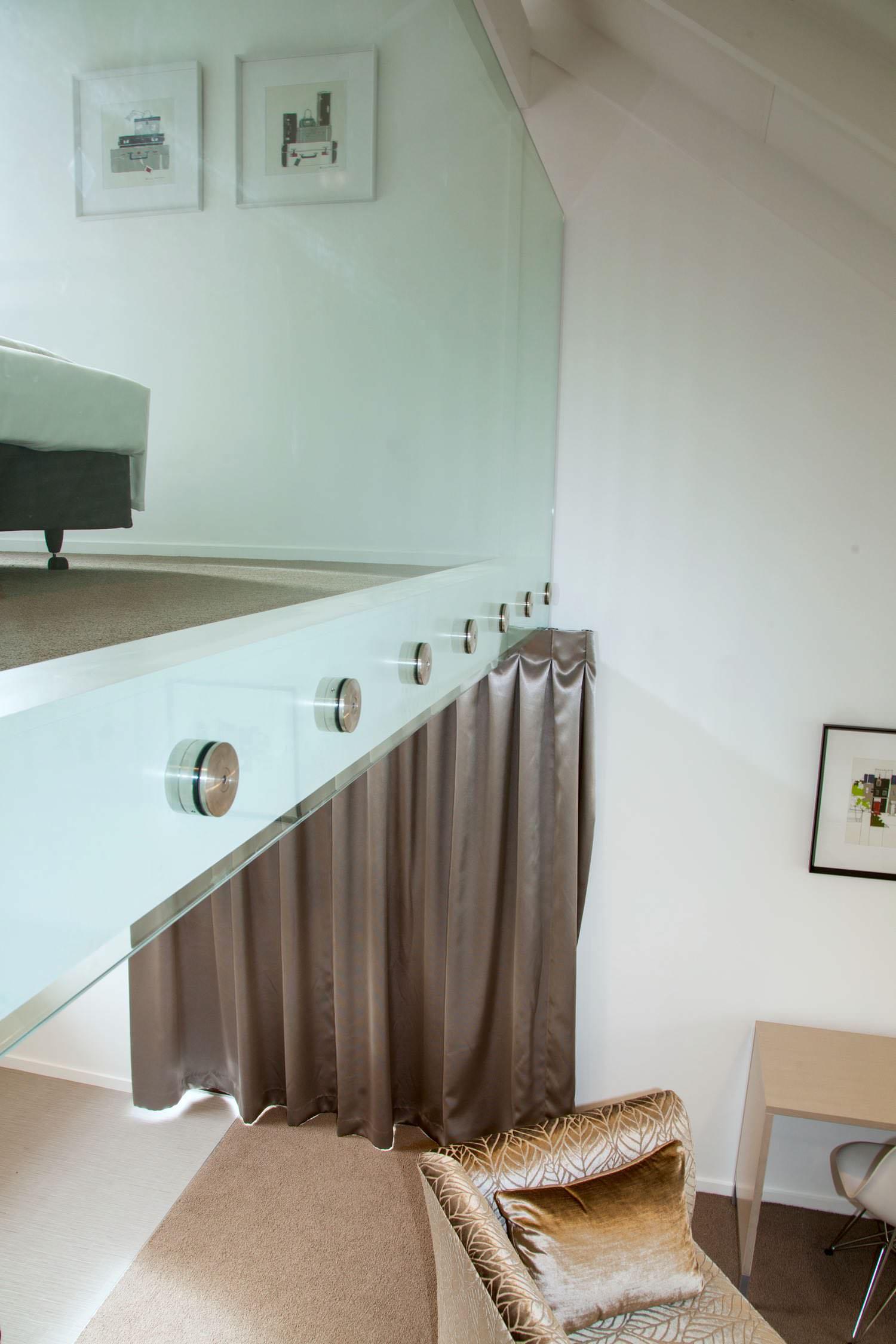 mezzanine - king glass