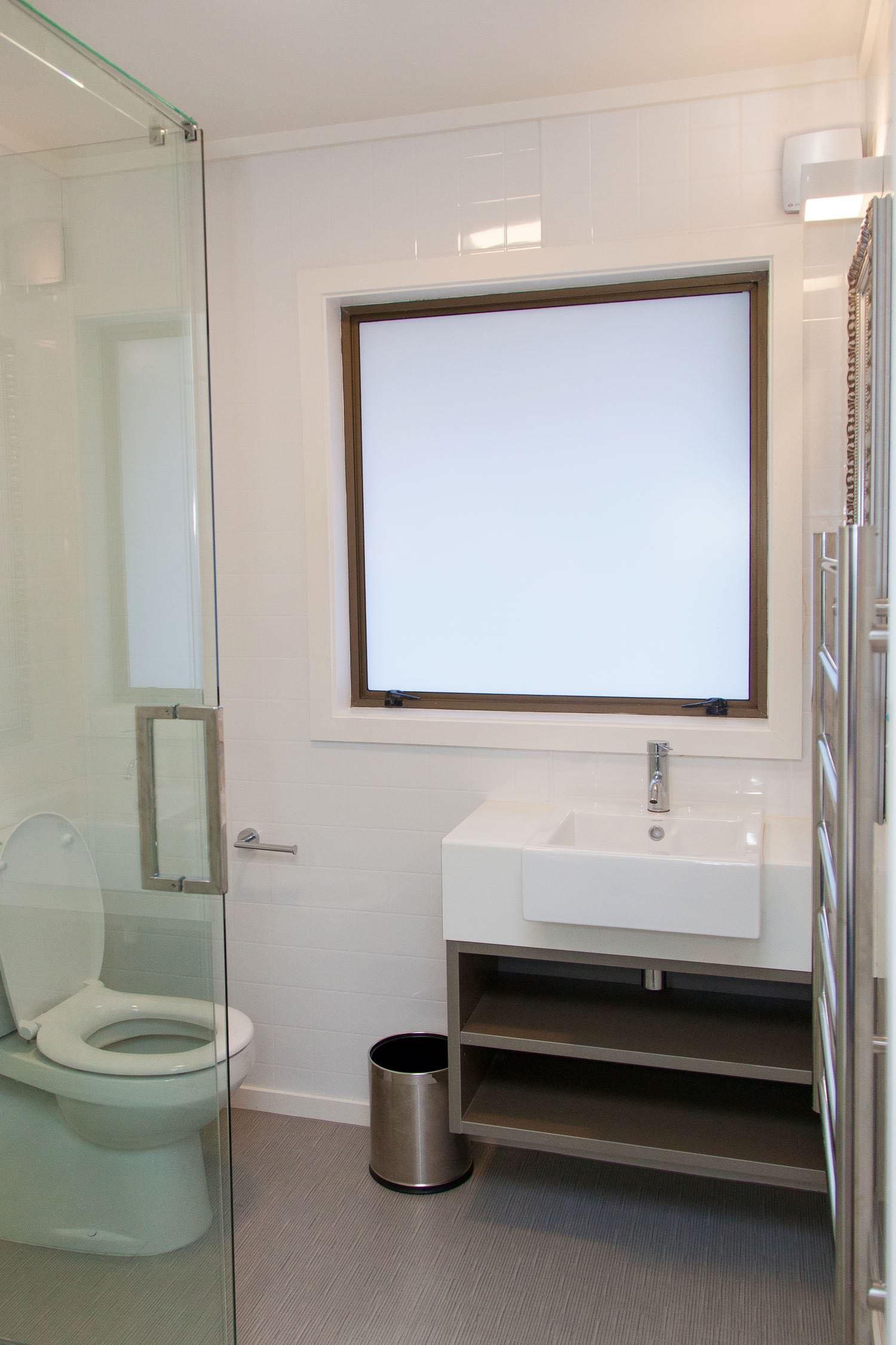 1 bedroom suite - king bathroom