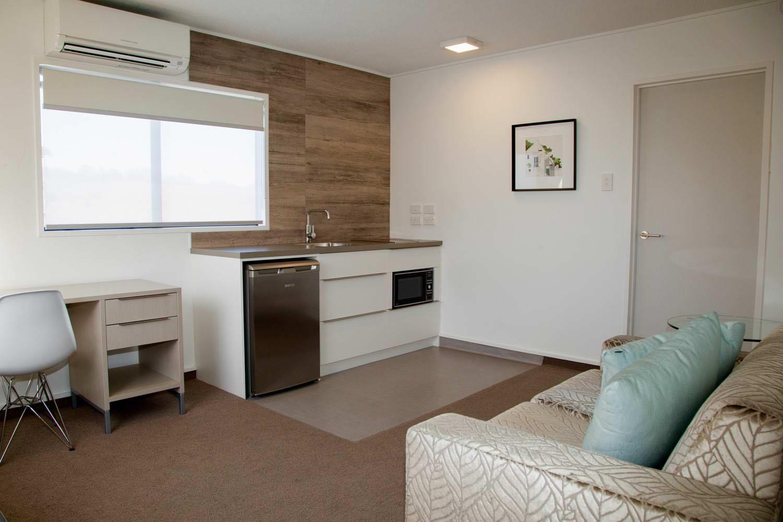 2 bedroom suite - king & queen kitchen