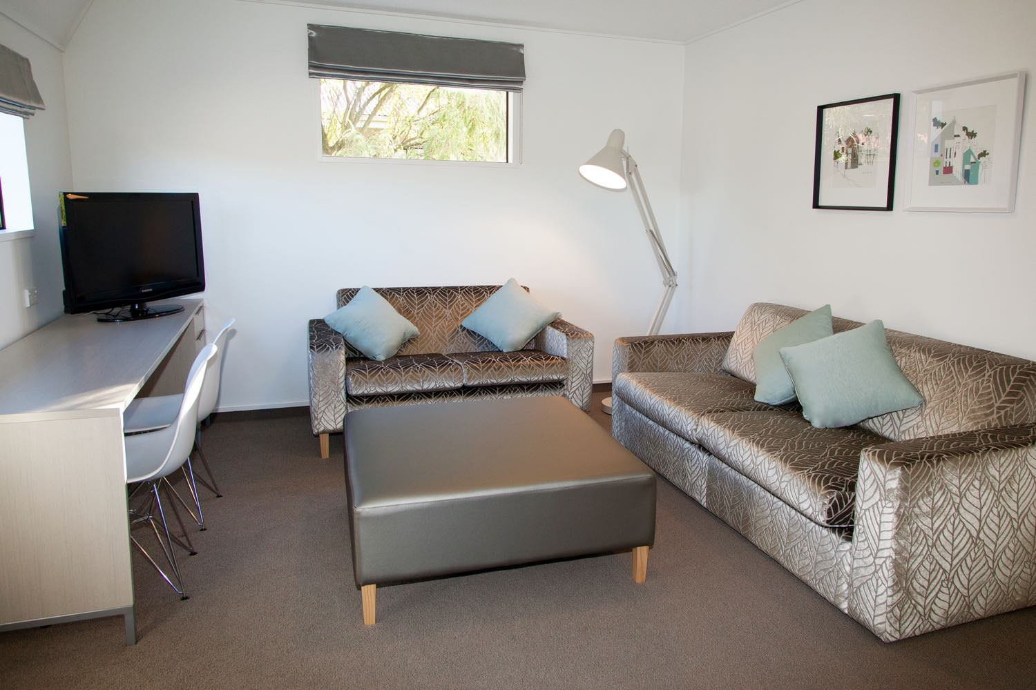 1 Bedroom Suite - Queen & Sofabed