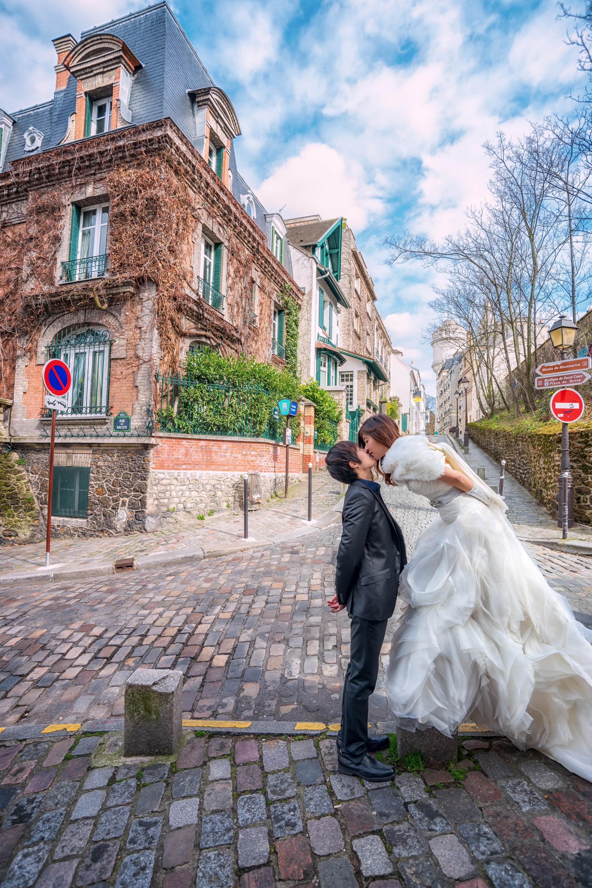 Nomadist Moon - Paris - Montmartre honeymoon (5).jpg
