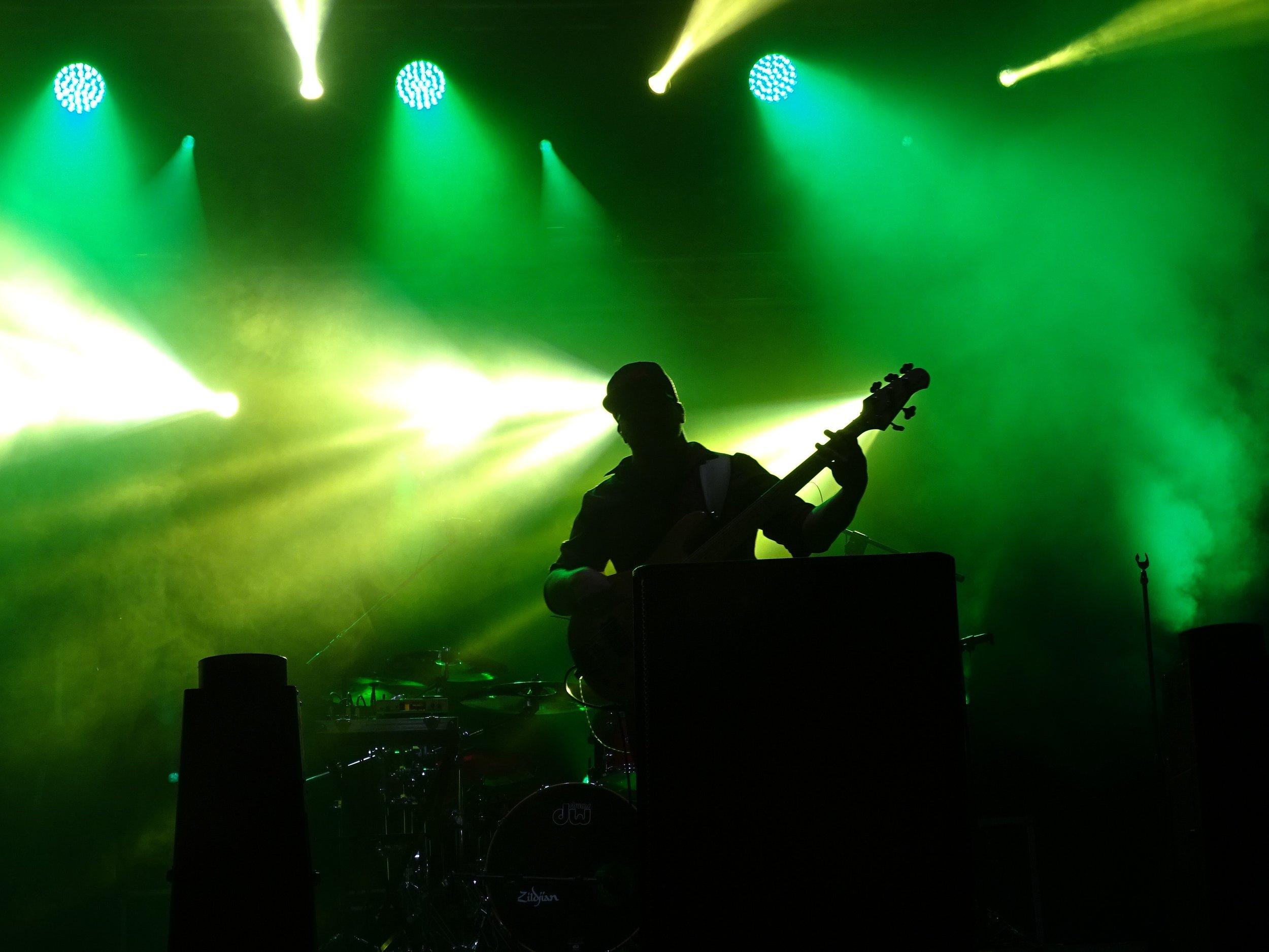 backlit-band-bass-guitar-417475.jpg