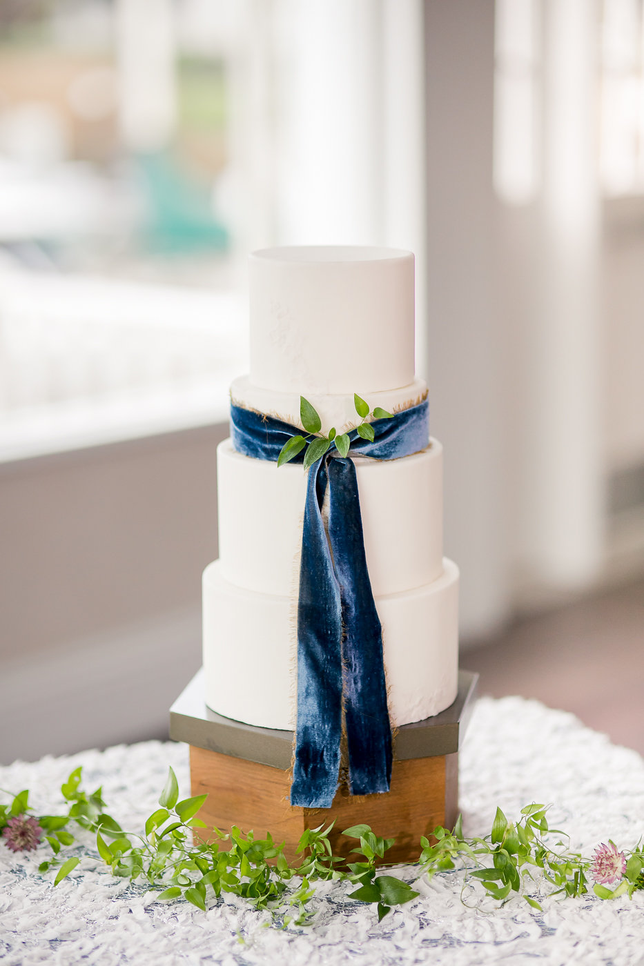 Photo by: Michelle Chang Photography  Cake Design: The Batter Up Cakery