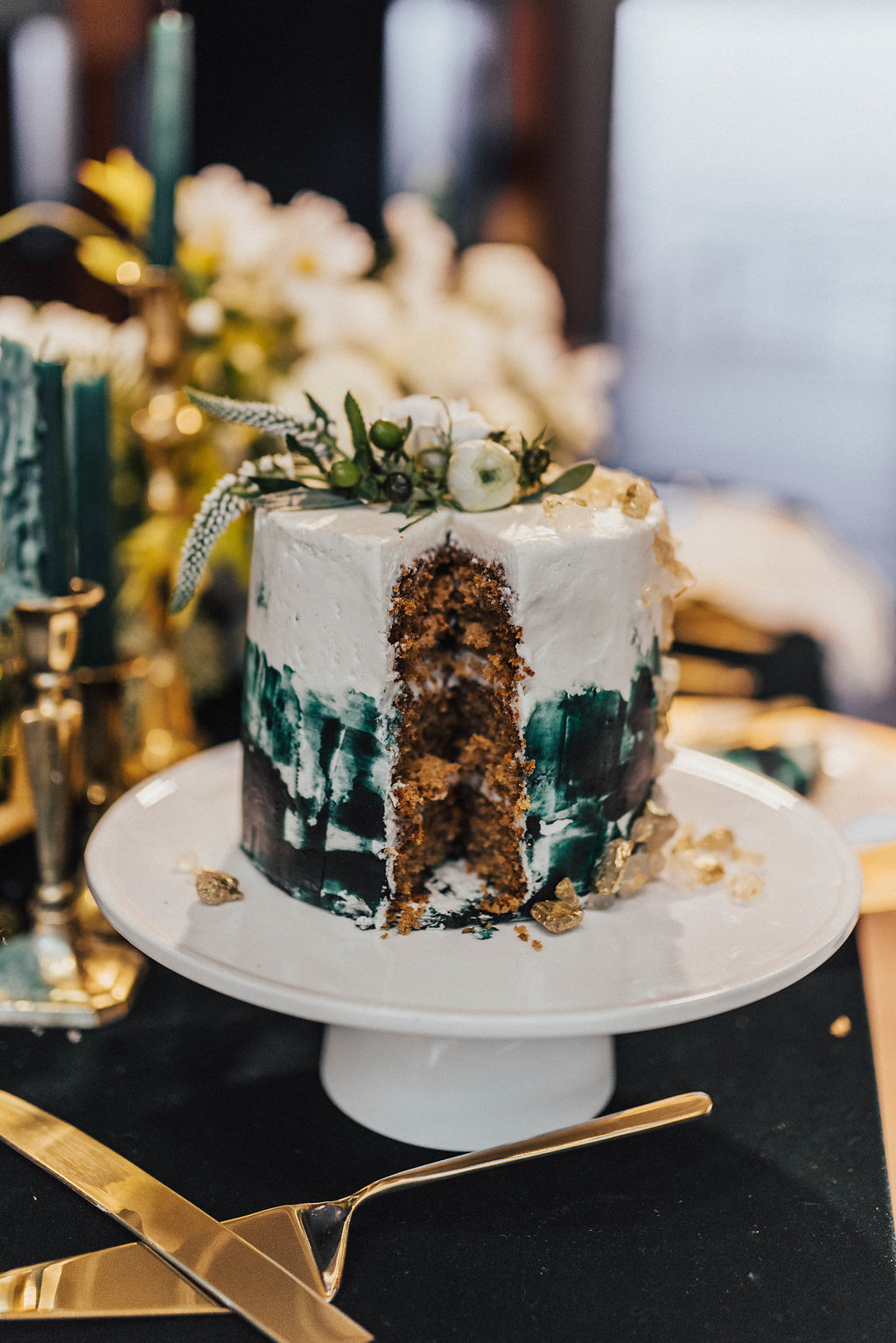 Photo by: Sam and Sola Studio  Cake Design: Eat More Cake by Candice