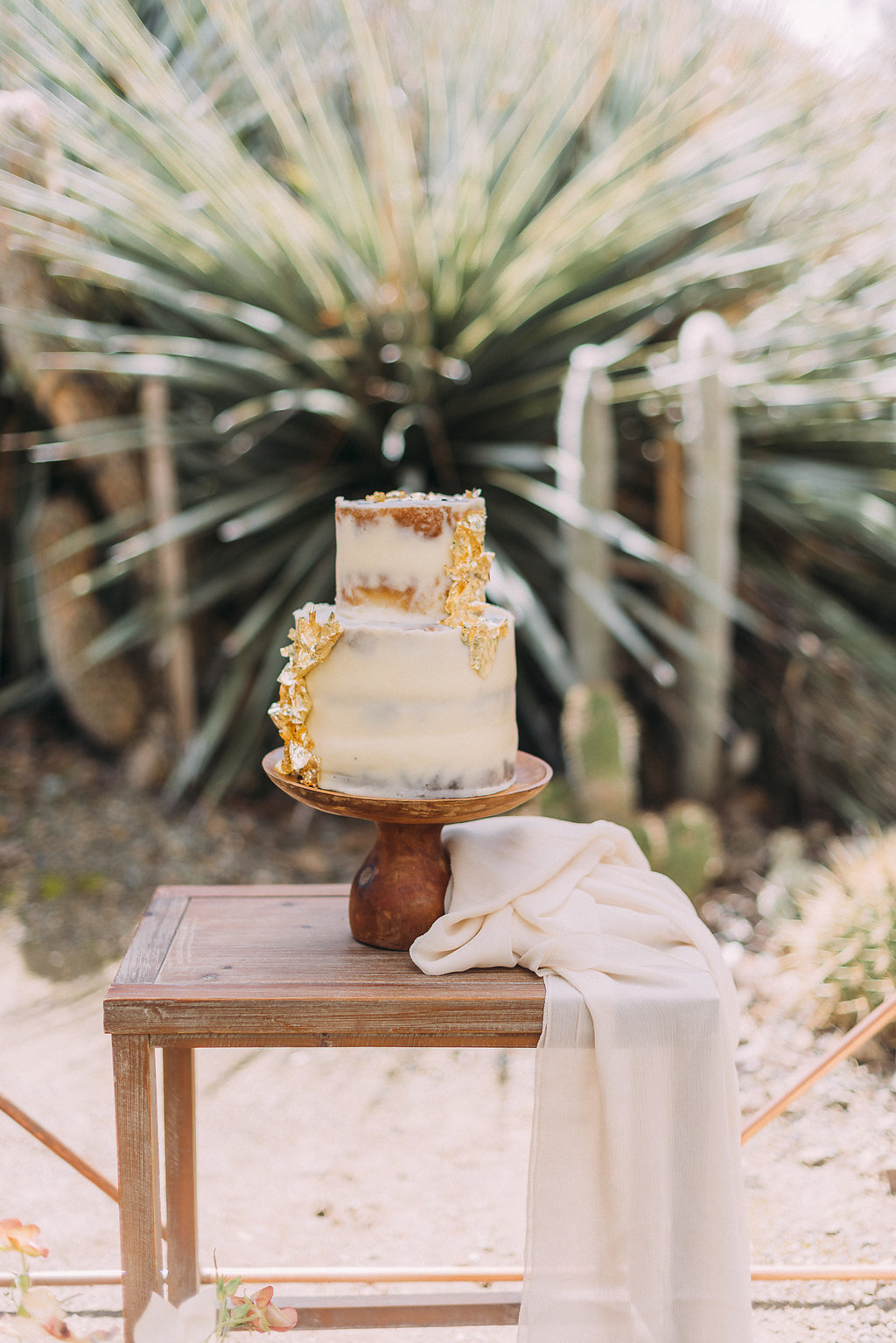 Photo: Danyelle Dee Photography  Cake Design: BTTRCRM Cakery