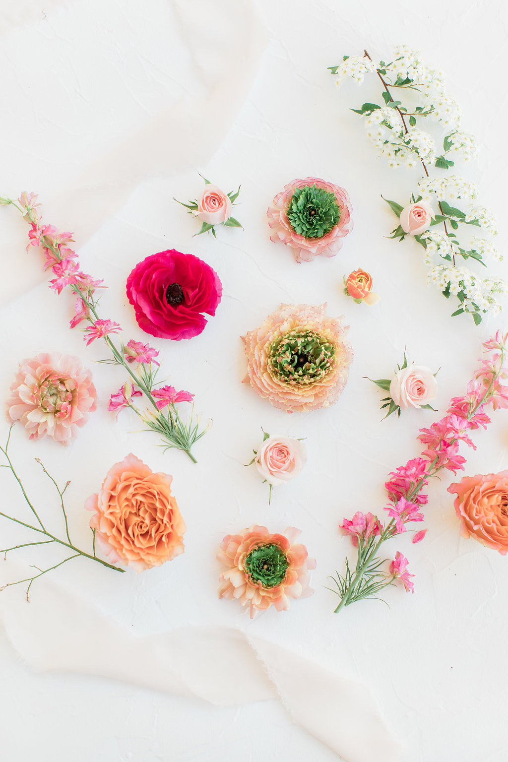 Dreamy and pretty floral flatlay for instagram and wallpaper