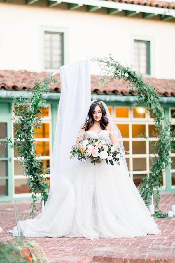 princess cut bridal gown and bridal bouquet inspiration for 2019 weddings