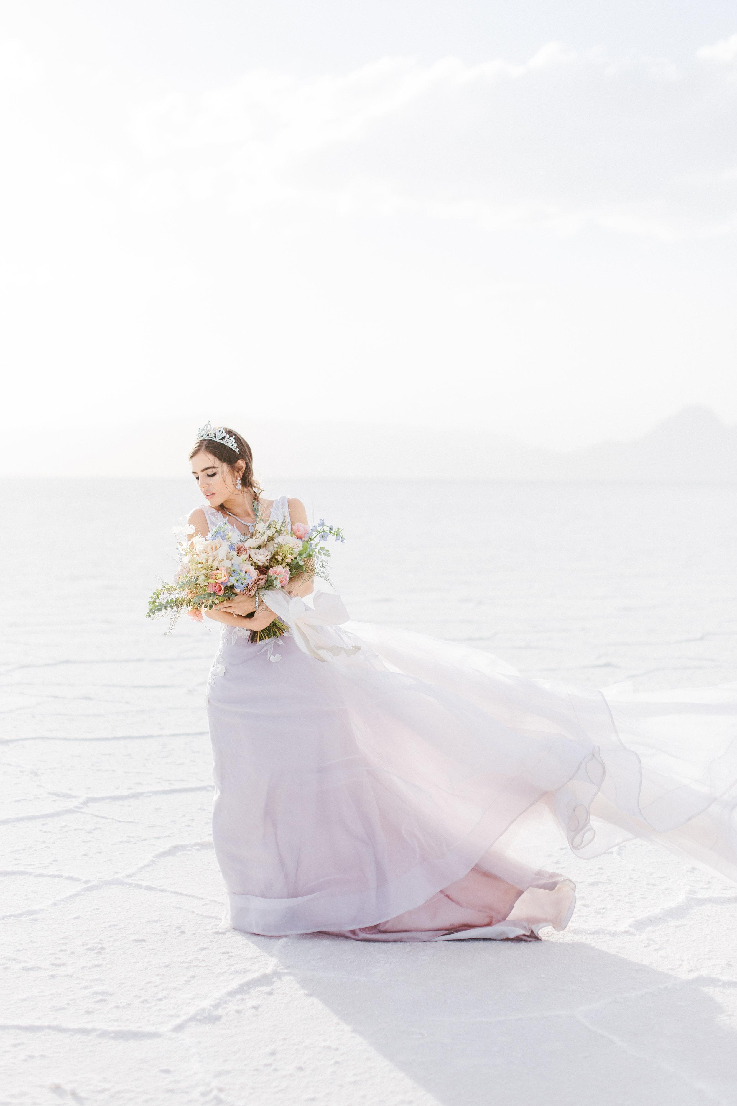 modern minimalist wedding bridal look for wedding photoshoot