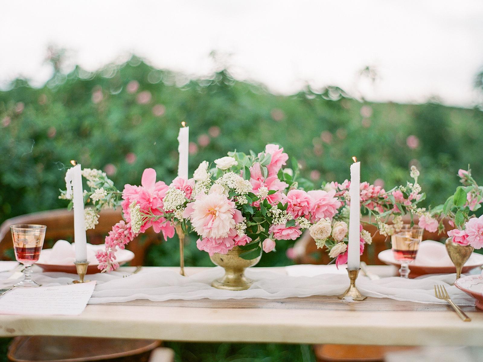 pretty pink floral outdoor wedding table idea 2019