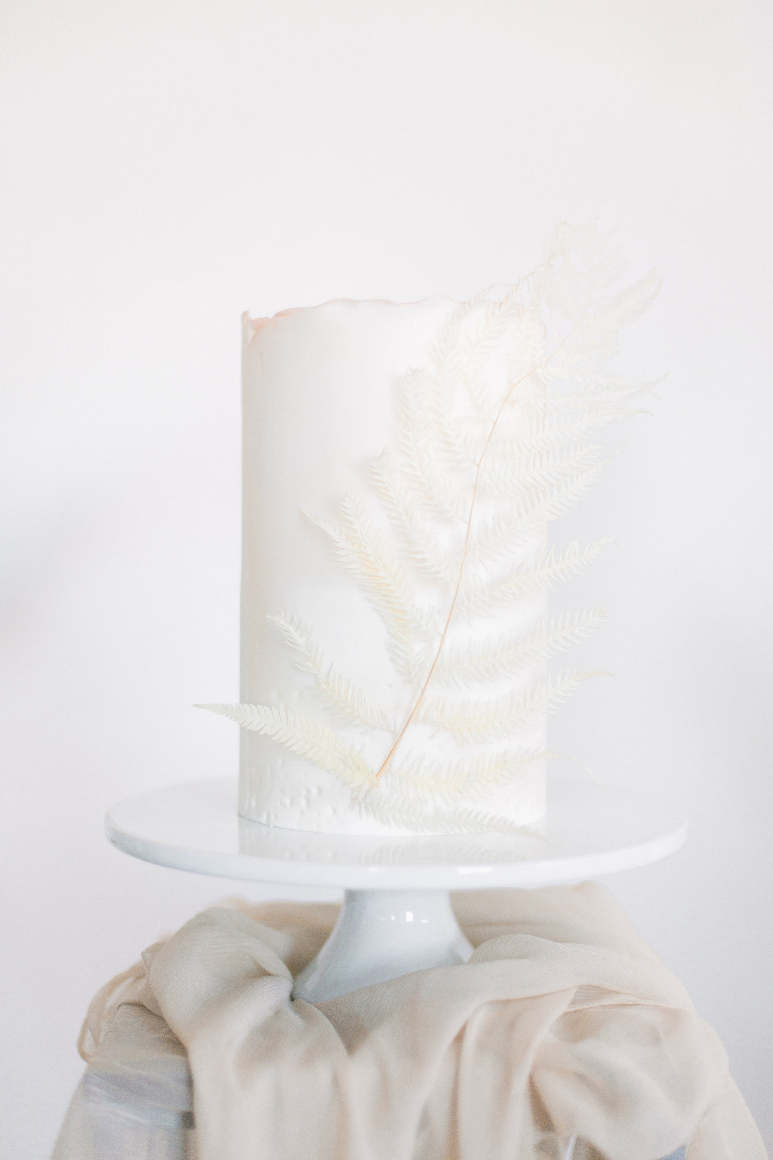 pretty silk table runners for wedding cake table inspirations