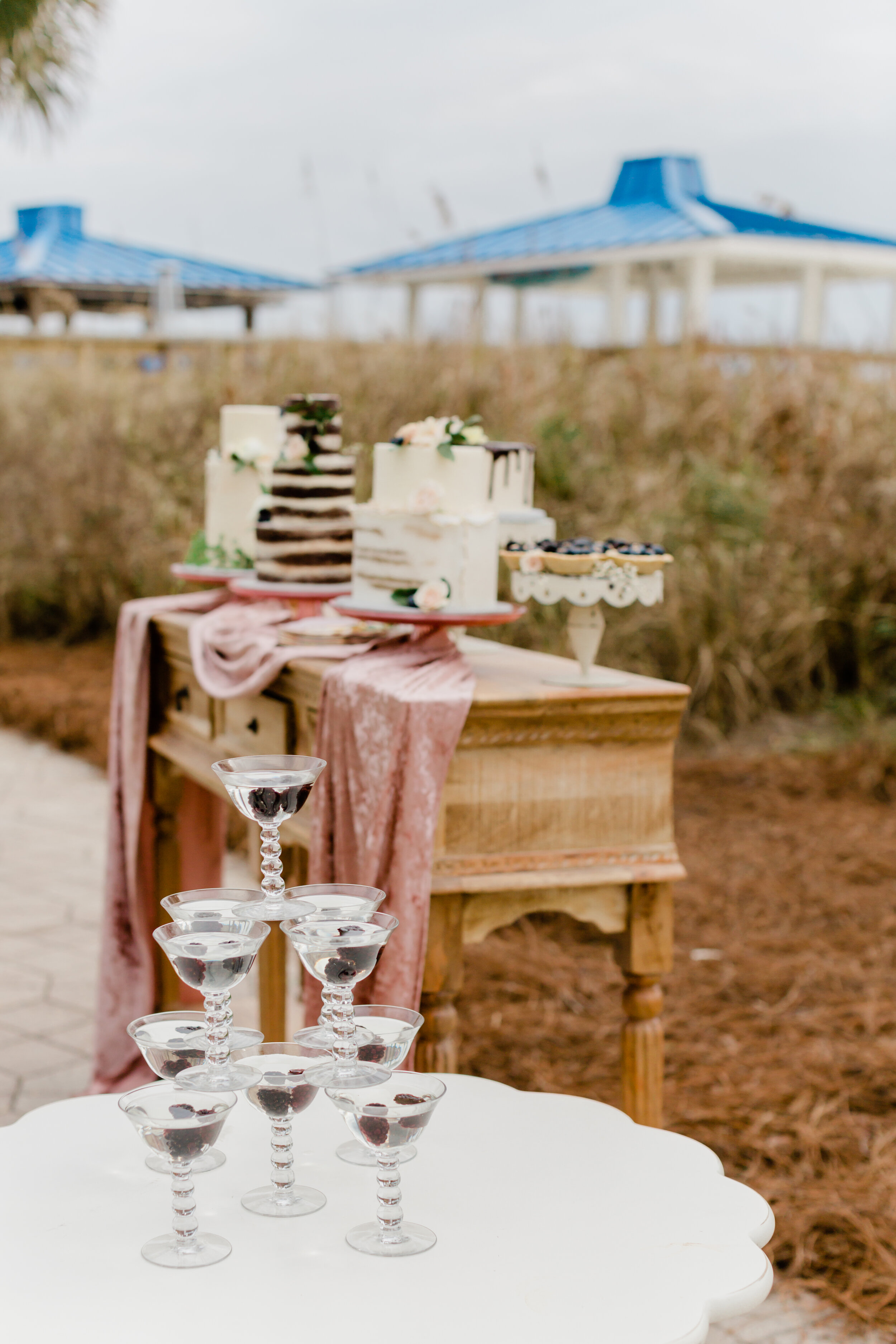 wedding cocktails and cake table ideas for outdoor rustic wedding