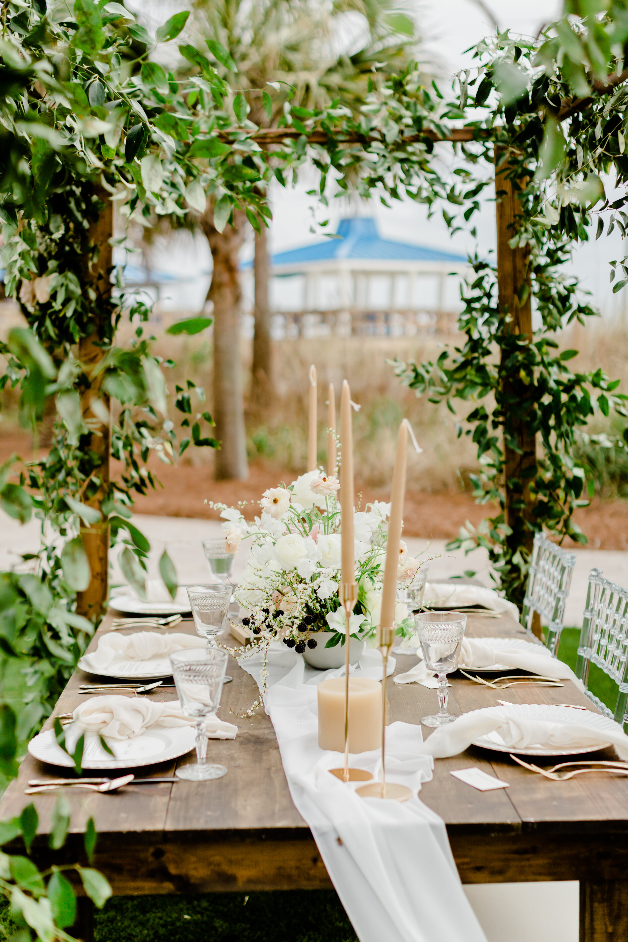 long and flowy white silk table runners for romantic, elegant, and sophisticated wedding tablescape inspiration