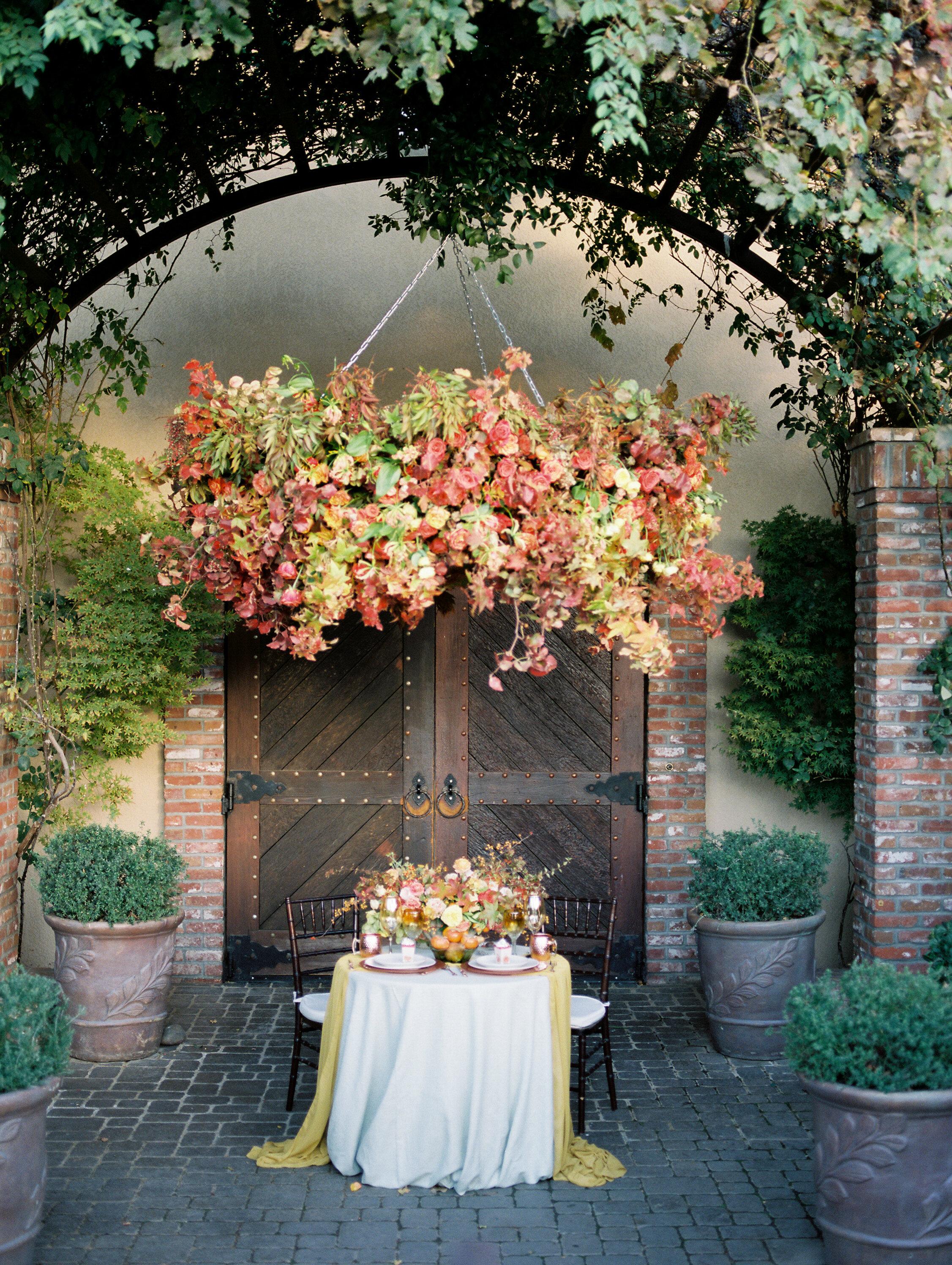 pretty fall wedding design inspo for tablescapes