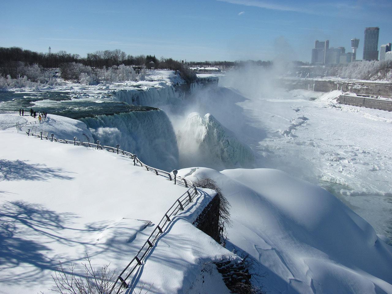 Frozen-Falls-8.jpg
