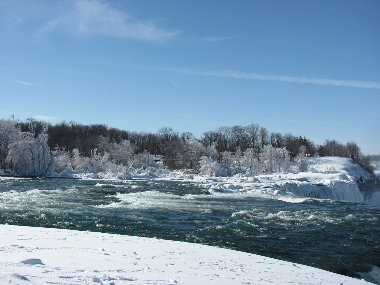 Frozen-Falls-1.jpg