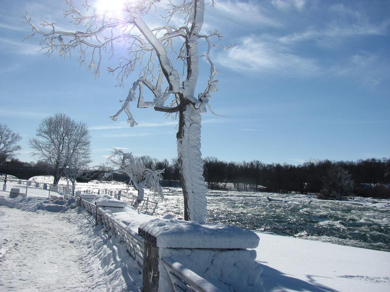 Frozen-Falls-3.jpg