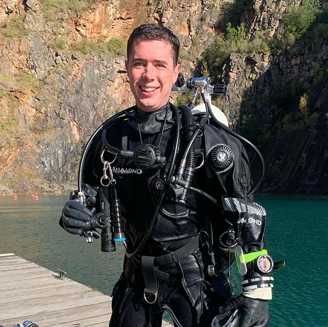 Fantastic day diving at @nationaldivingactivitycentre in Chepstow with Southern Scuba today. Two dives, some decent depth and first deco run on a 50% mix. 😁 Oh, and a got a little narced too 🤩🤪 #tecdive #scuba #diving