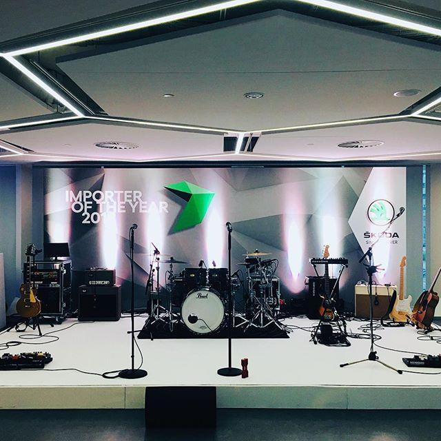 Getting ready 🏆🔝🍸@skodacr @skodagram #importeroftheyear2018 #skoda2018 #skoda #evententertainment #partyband #event #vip #music #concert #musicforevents #bandforevents