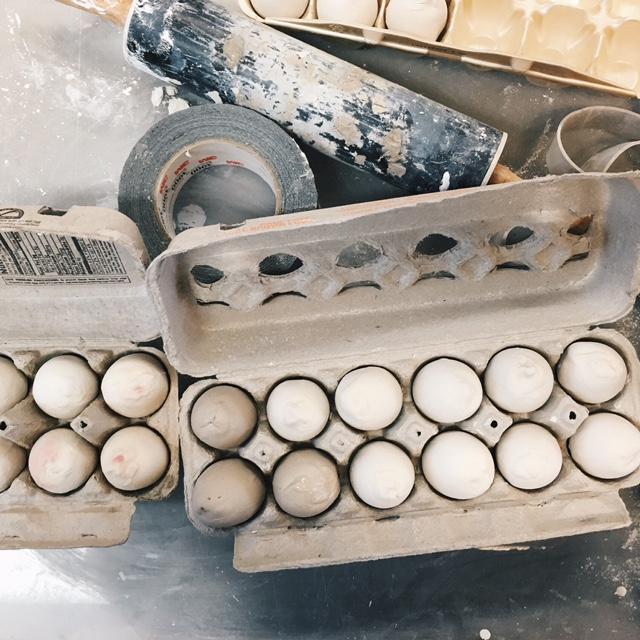 Porcelain Slip-Cast eggs / Performance Objects, 2016