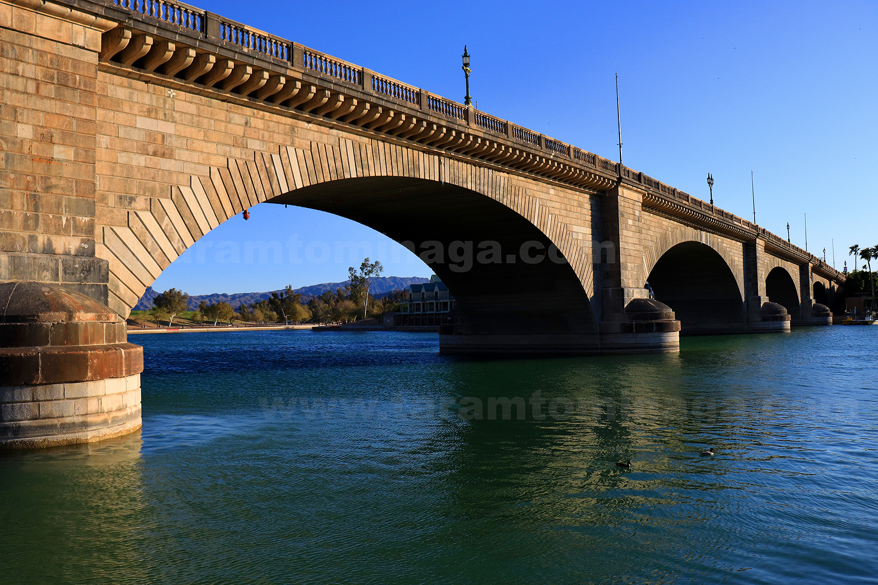 Tara Tominaga - Lake Havasu Photographer - London Bridge.jpg