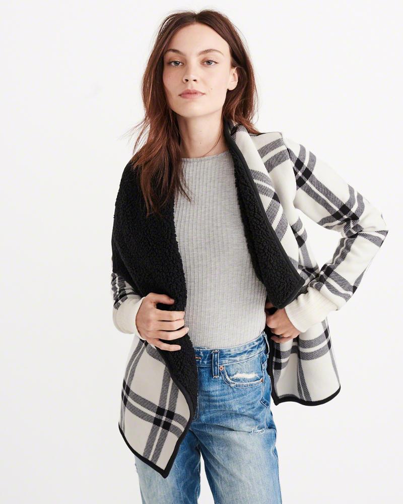 sweaters_shopping_ladyboss_lifestyle