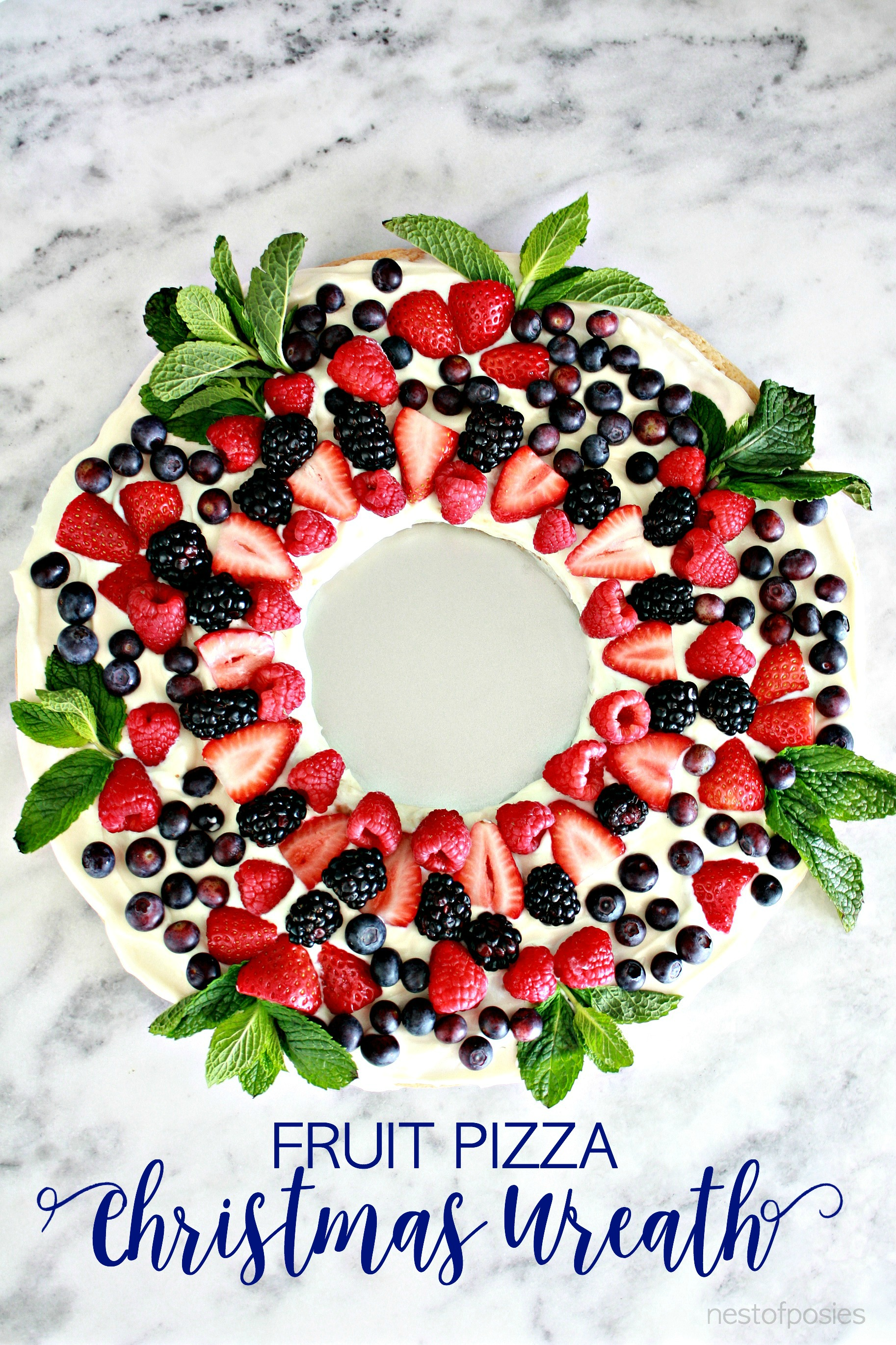 Fruit-Pizza-Christmas-Wreath-so-delicious-and-festive.jpg