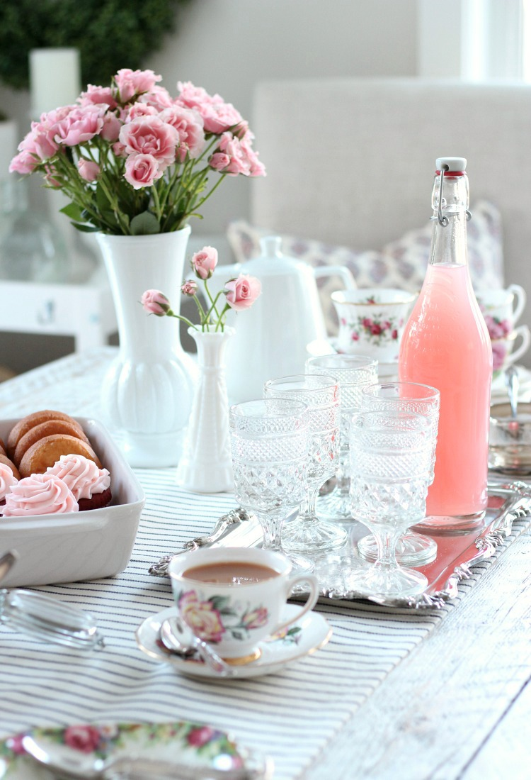 GALentines-Day-Tea-Party-Vintage-Style.jpg