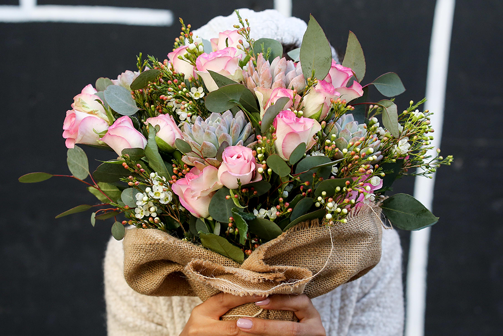 FOR THE LOVER OF FLORALS AND ALL THINGS PRETTY.