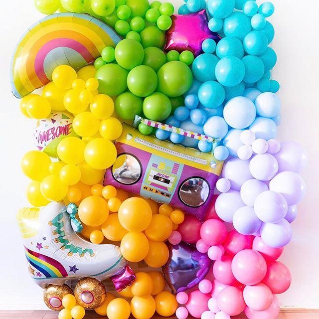 Love this! 💗🧡💛💚💙💜 📷: @bangin.balloons