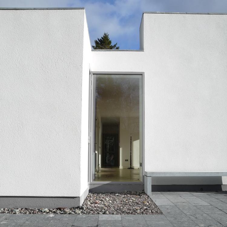 new+limestone+bench+against+chimney+02_4.jpg
