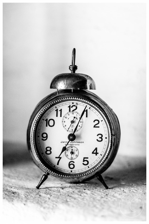 Old Clock, black/white