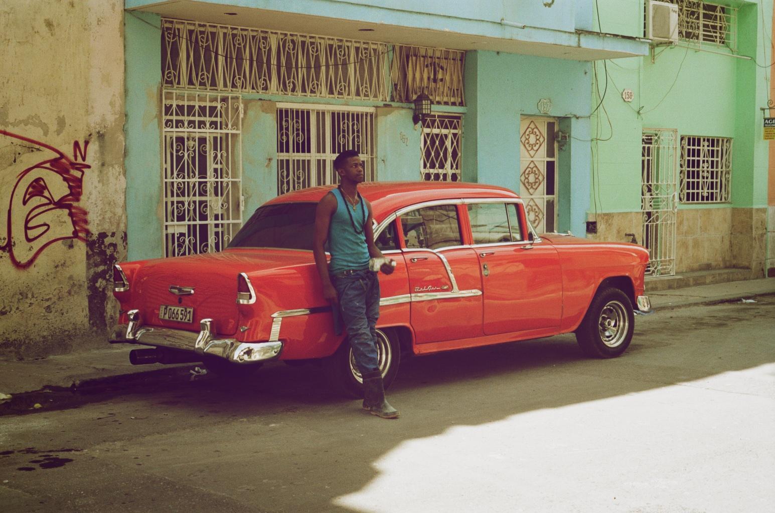 035_CubaRedCar.jpg