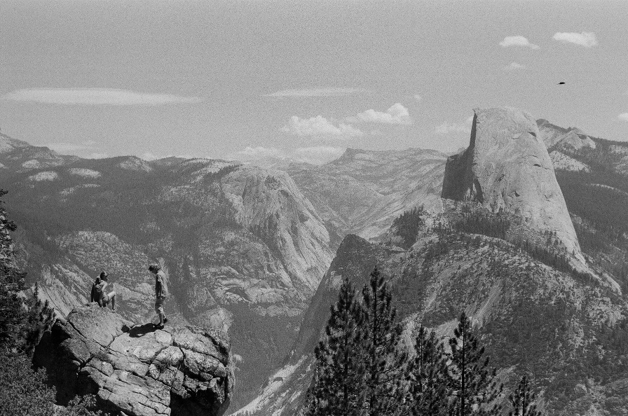053_YosemiteWalk.jpg