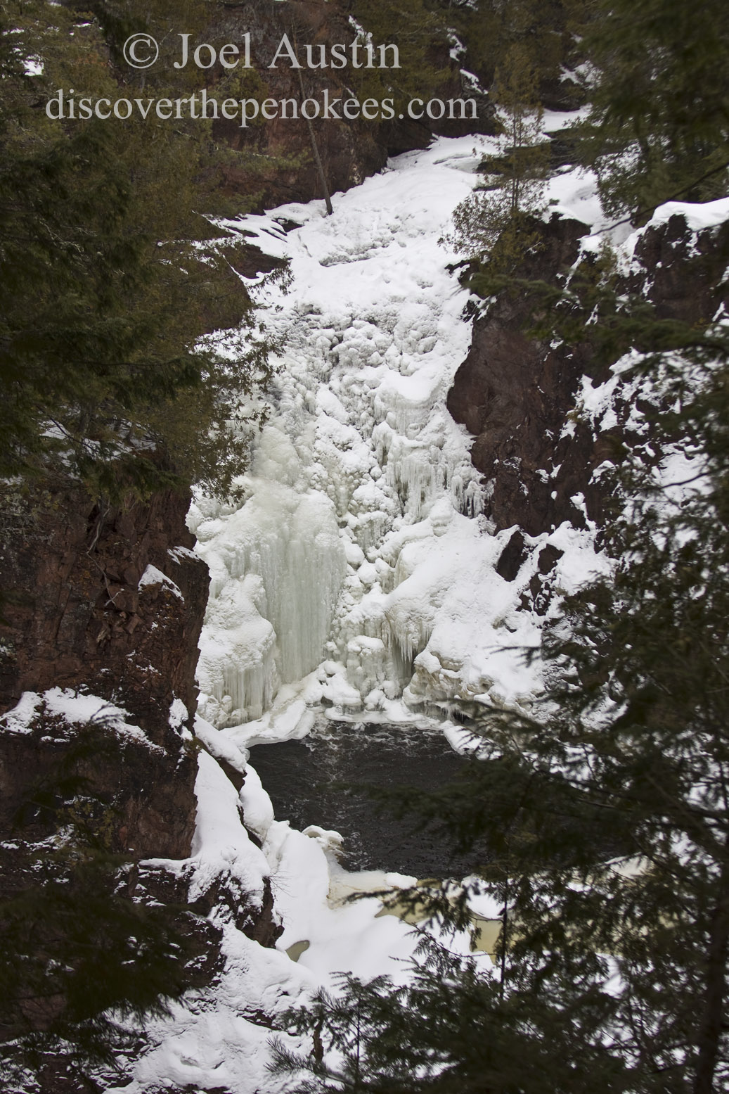 Frozen Brownstone Falls.