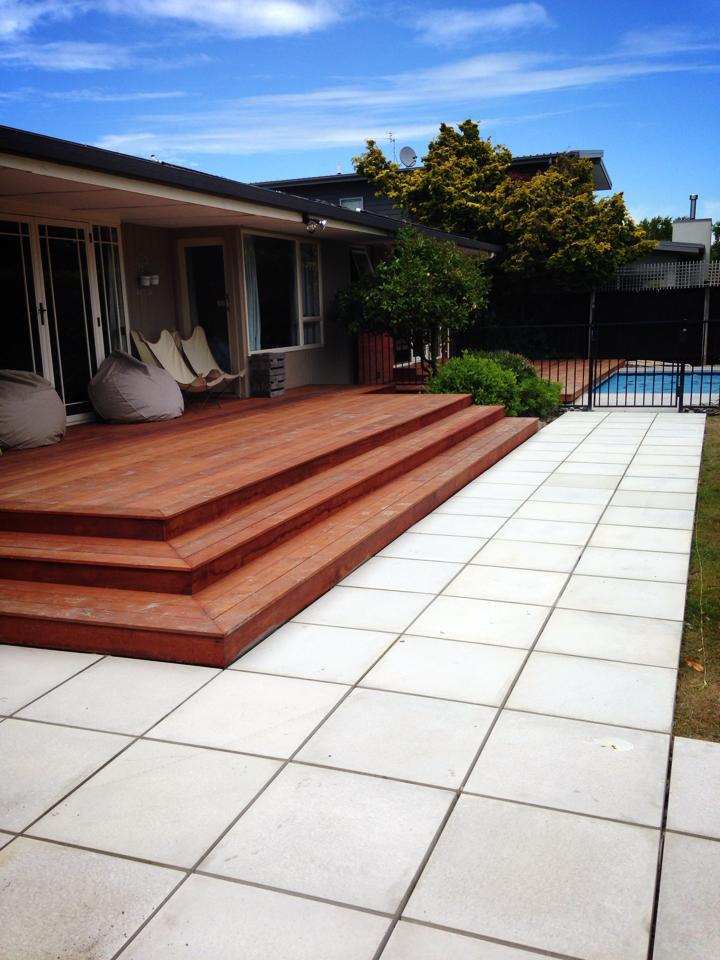 landscapes-unlimited-hardwood-deck-pool-paving-side.jpg