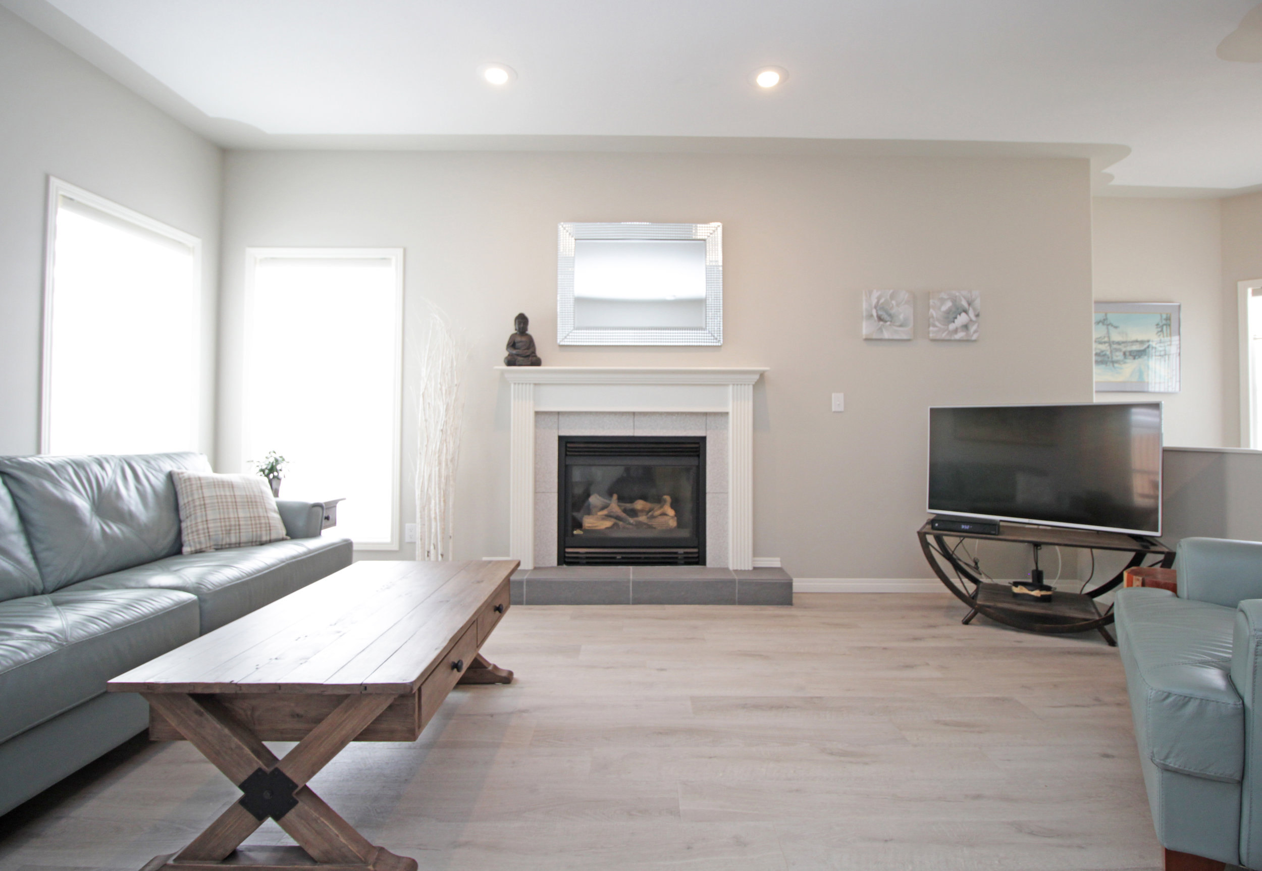 Living Room 2new_edited-1.jpg