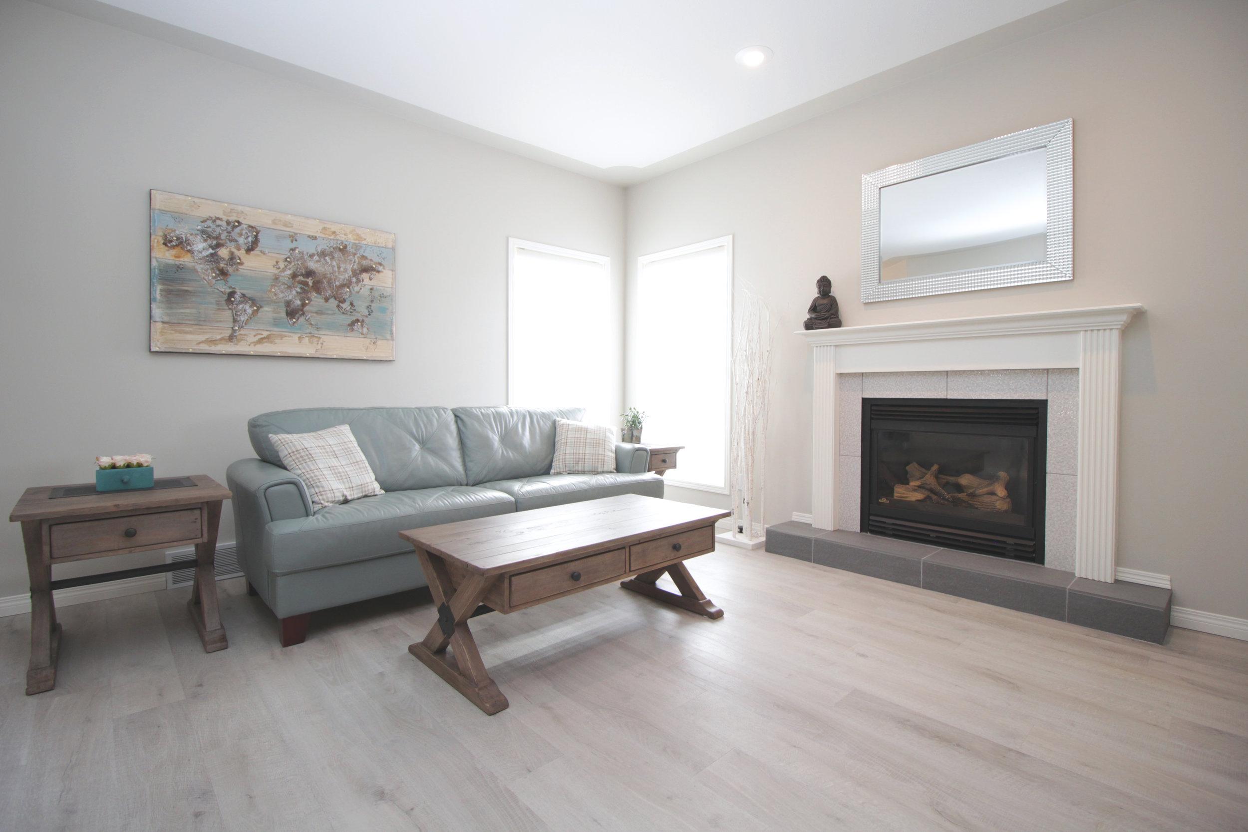Livingroom 1 new.jpg
