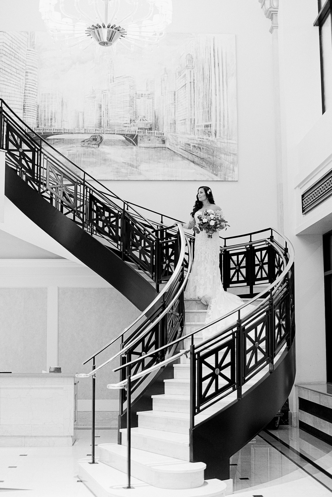 chicagoweddingphotographer_lacunalofts-1014.jpg