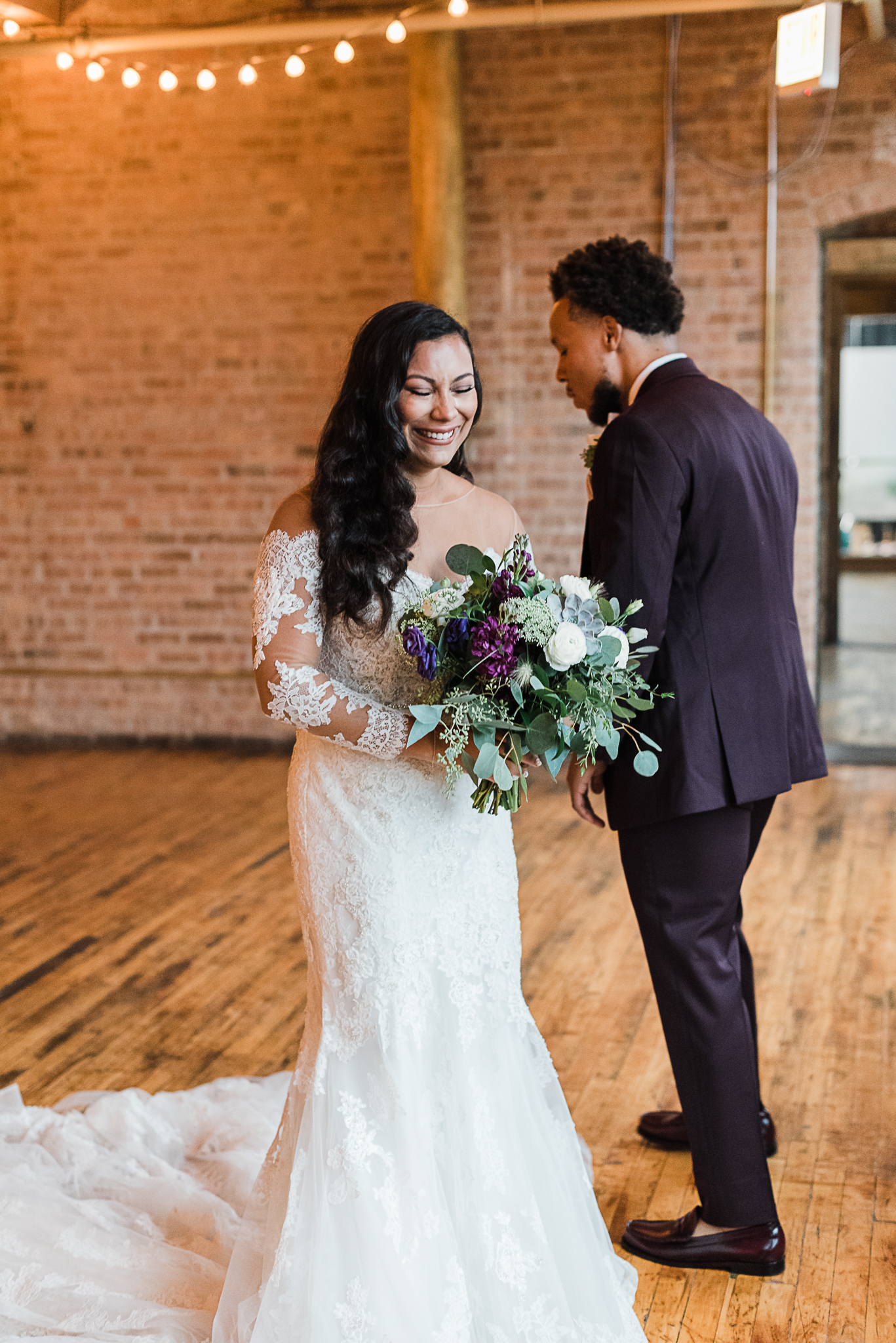 chicagoweddingphotographer_lacunalofts-1035.jpg